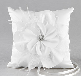 A01015RP-Somerset-Ring-Pillow-White-m.jpg
