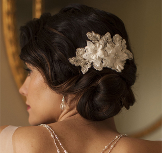 Comb-with-Beaded-Floral-Lace-m.jpg
