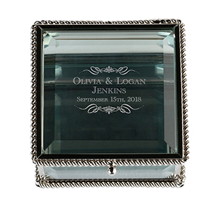 Glass-Ring-Box-with-Names-m.jpg