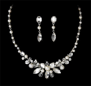 Pearl-Bridal-Jewelry-Set-m.jpg