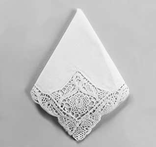 Venise White Lace Wedding Handkerchief