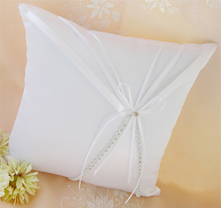 ring-pillow-rhinestone-ribbon-m.jpg