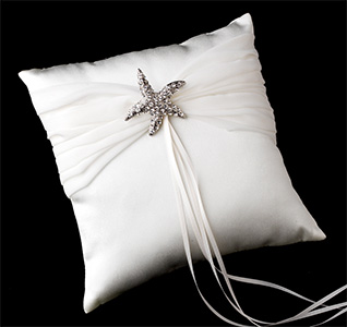 starfish-brooch-chiffon-ring-pillow-m.jpg
